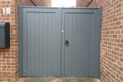 straight-top-painted-grey-gates-front