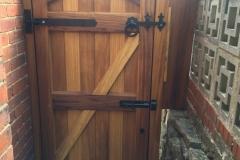 entry-gate-belper-back