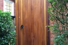 side-entry-gate-full-frame