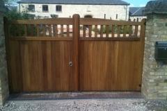 hardwood-estate-gates