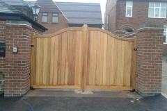 hardwood-driveway-gates