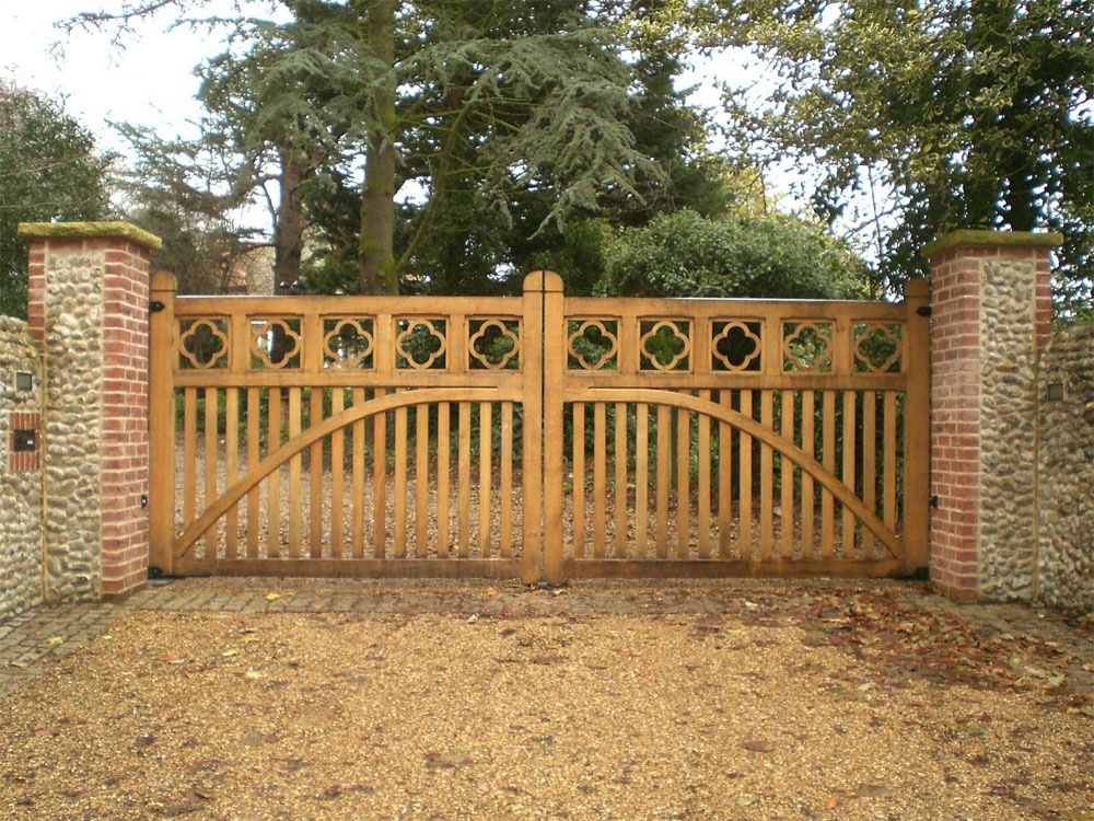 Oak-Flower-Gates