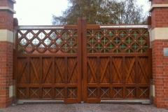 Kelham-Hall-gates