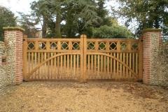 Oak-Flower-Gates