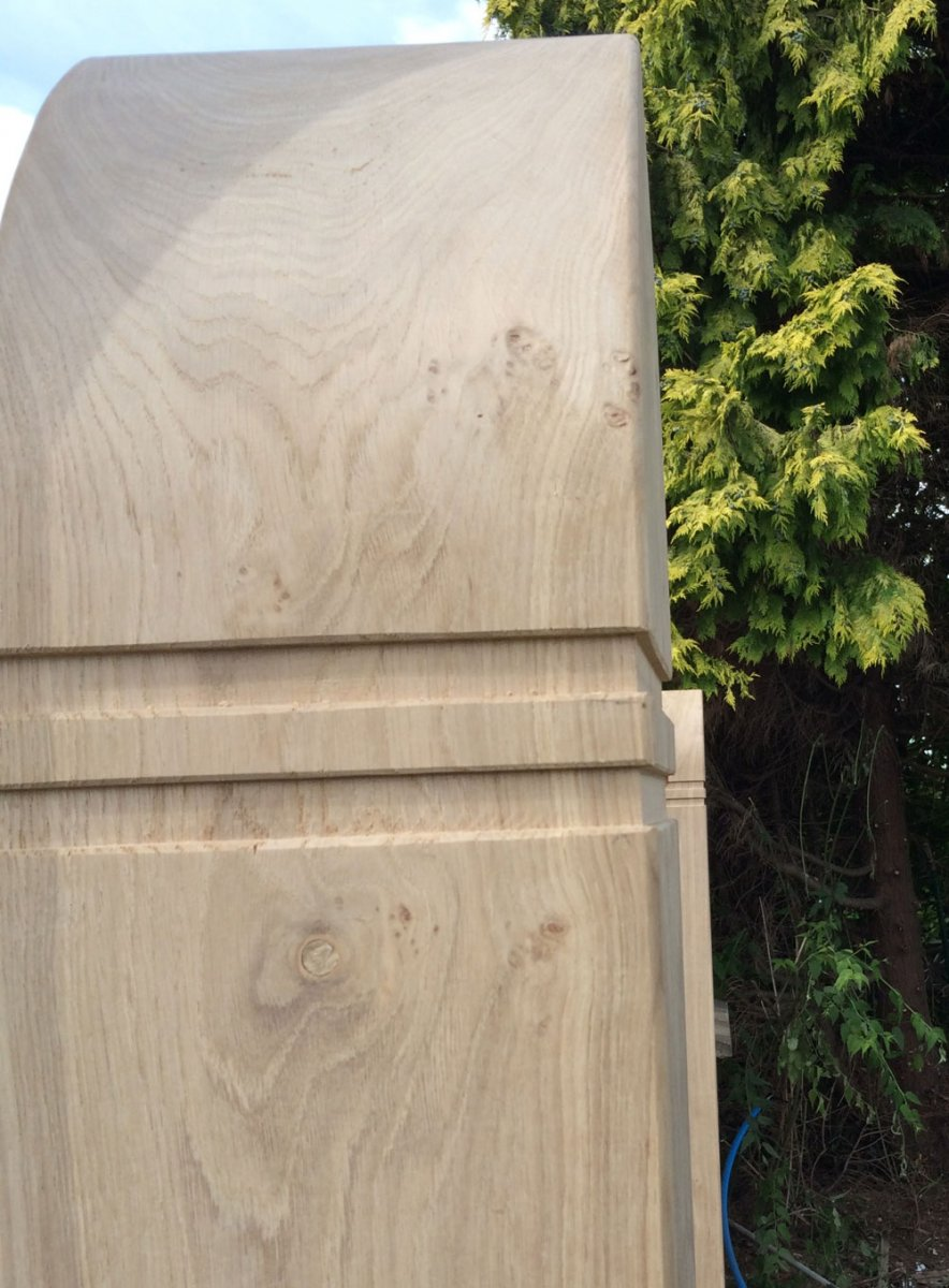Oak-Post-Colar-detail