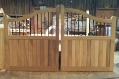 Hardwood-Pathways-with-steel