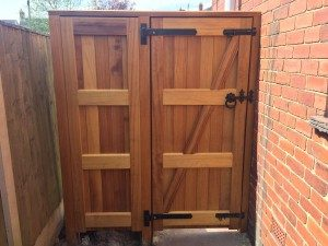 Ped Gate & Panel (Holbrook) Iroko