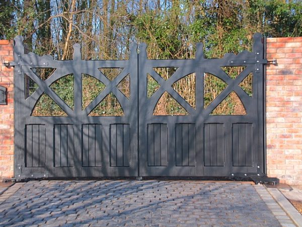 Accoya-Arts-Crafts-Gates
